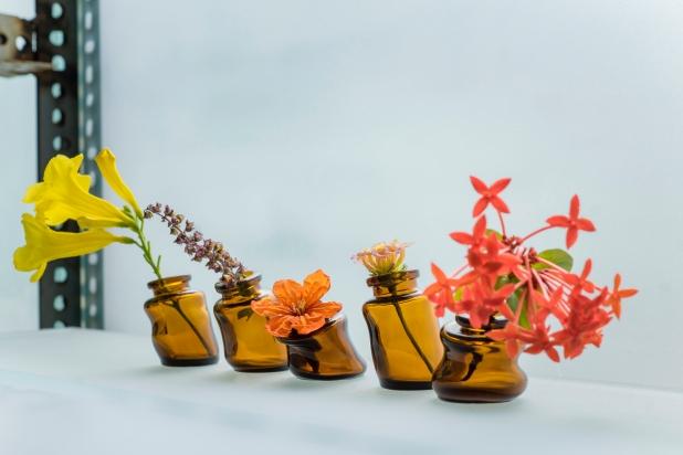 mini wonky vases